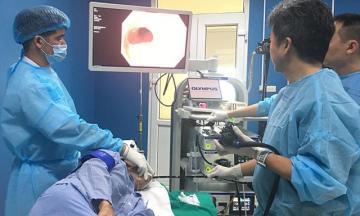Máy nội soi phóng đại 100 lần tăng 90% cơ hội sống cho người ung thư